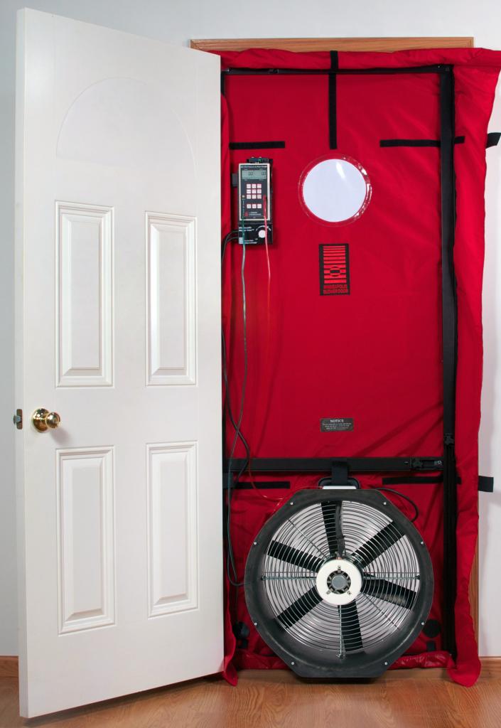blower door testing on home